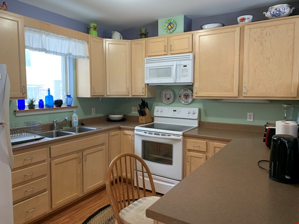 Furnished Townhouse in Co-Housing Community with Heat Included & Parking Home Rental in Burlington 3 - thumbnail