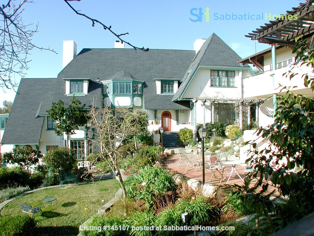 Charming fairy tales style townhouse nestled in the Berkeley Hills. Home Rental in Berkeley, California, United States 1