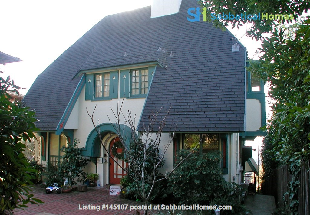 Charming fairy tales style townhouse nestled in the Berkeley Hills. Home Rental in Berkeley, California, United States 2