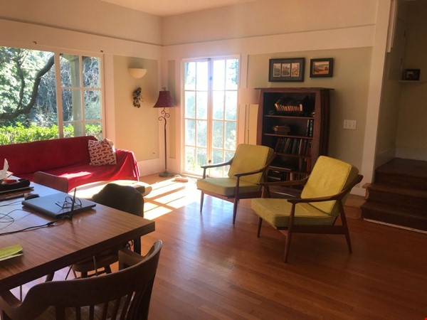 Charming fairy tales style townhouse nestled in the Berkeley Hills. Home Rental in Berkeley 3 - thumbnail