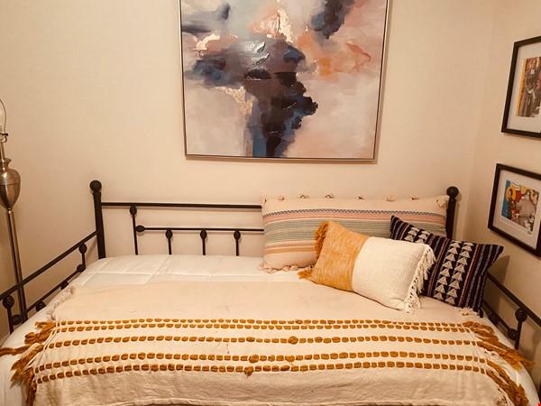 Perfect writer's haven in Southwest Atlanta! 15 mins from Midtown! Home Rental in Atlanta 5 - thumbnail