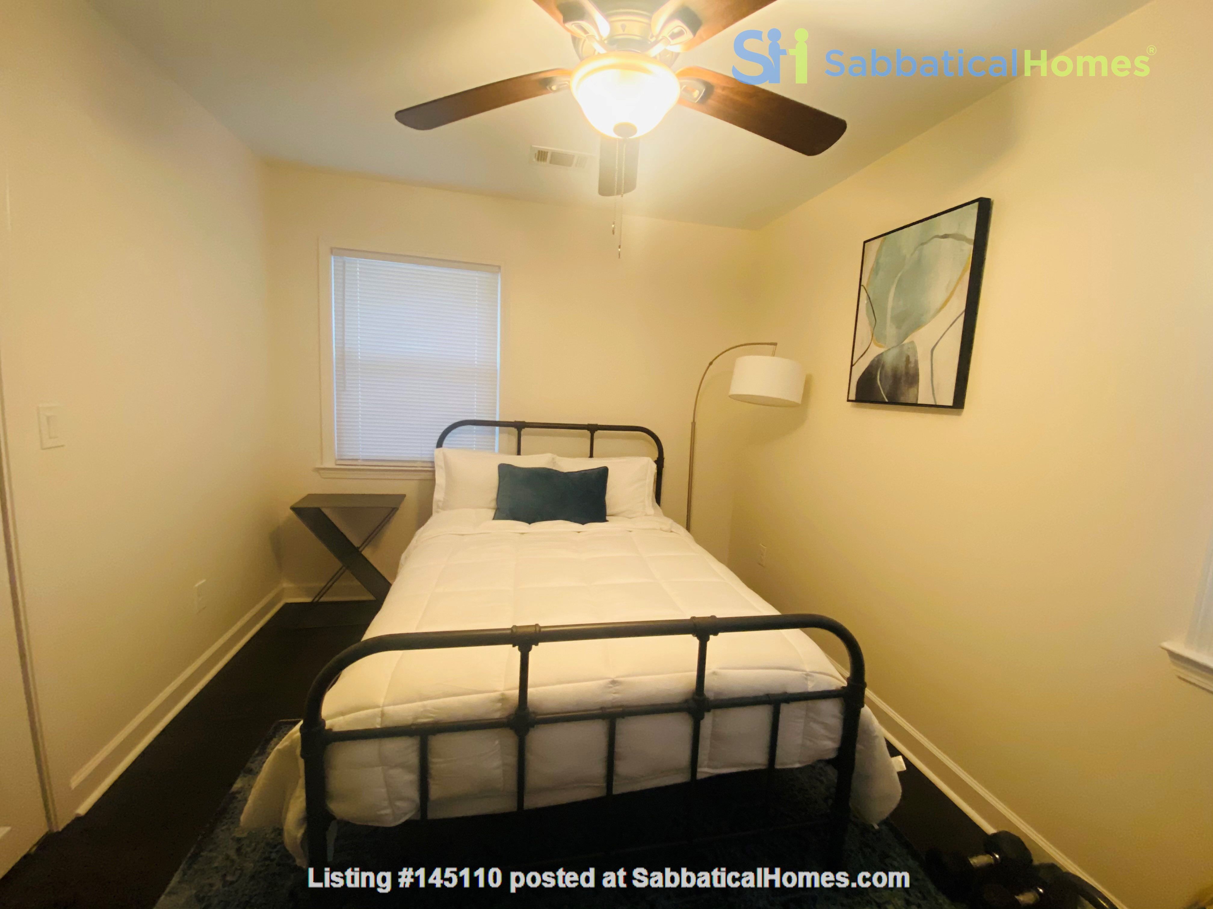Perfect writer's haven in Southwest Atlanta! 15 mins from Midtown! Home Rental in Atlanta, Georgia, United States 6