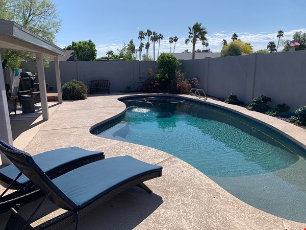 Modern family home 3 miles from ASU, 6 miles from Intel campus Home Rental in Tempe 1 - thumbnail
