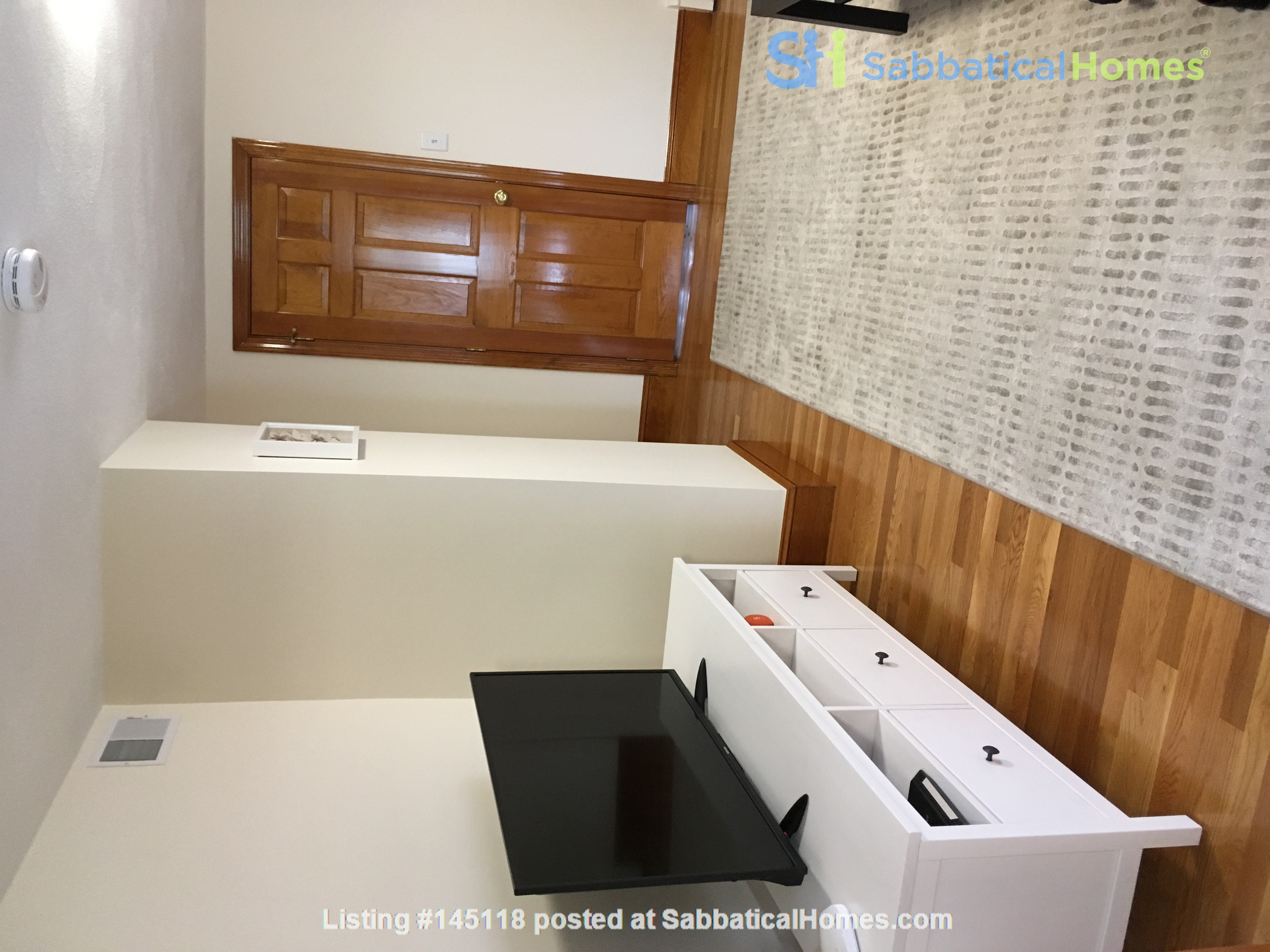 One Bedroom in Newly Renovated, Fully Furnished 4 Bed & 2 Bath Apartment Home Rental in Boston, Massachusetts, United States 2