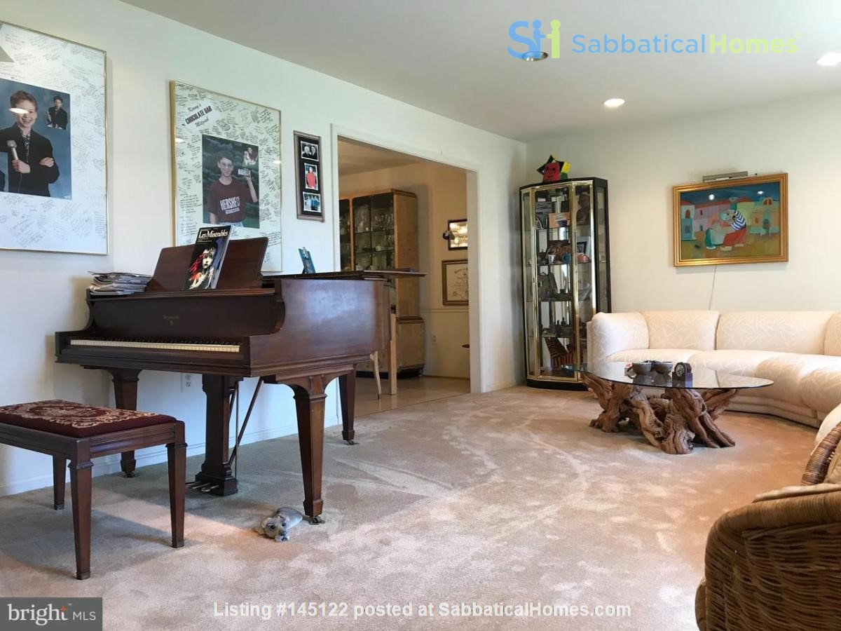 Beautiful Home on Golf Course,  Convenient Neighborhood, Rockville, MD Home Rental in Rockville, Maryland, United States 6