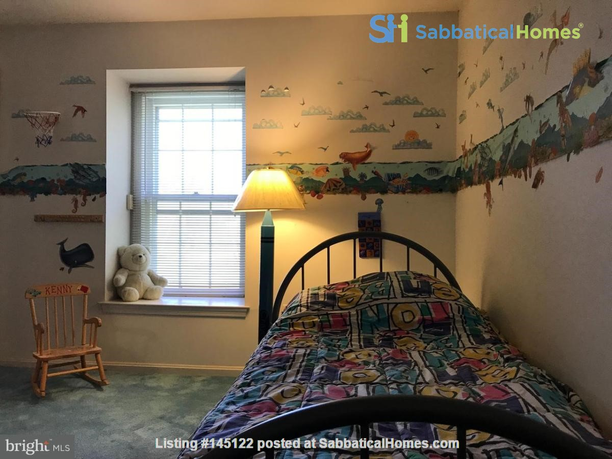 Beautiful Home on Golf Course,  Convenient Neighborhood, Rockville, MD Home Rental in Rockville, Maryland, United States 8