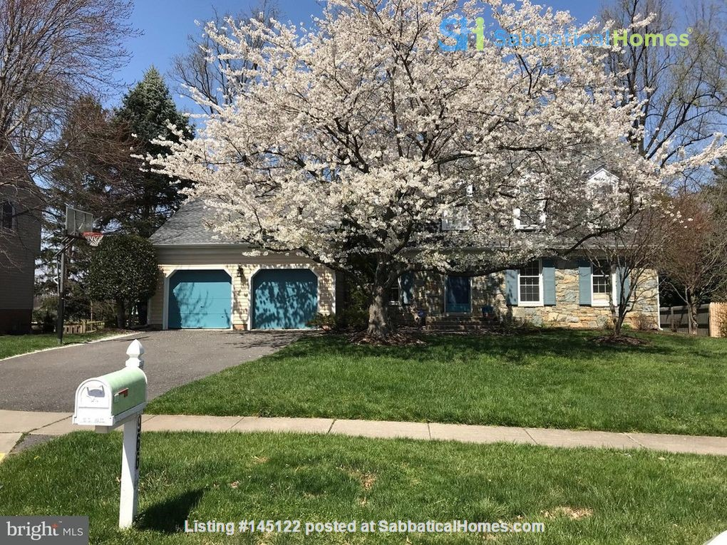 Beautiful Home on Golf Course,  Convenient Neighborhood, Rockville, MD Home Rental in Rockville, Maryland, United States 0