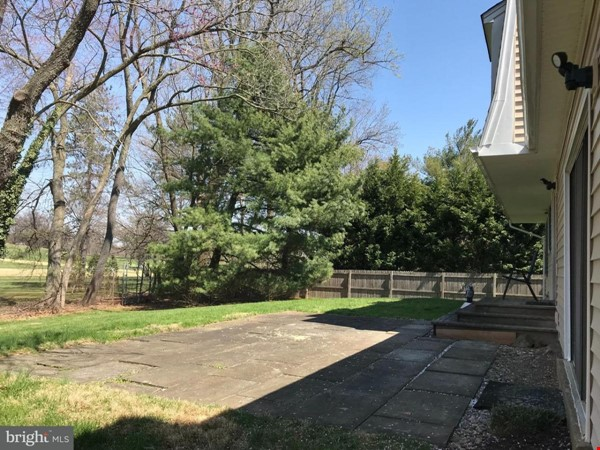Beautiful Home on Golf Course,  Convenient Neighborhood, Rockville, MD Home Rental in Rockville 1 - thumbnail
