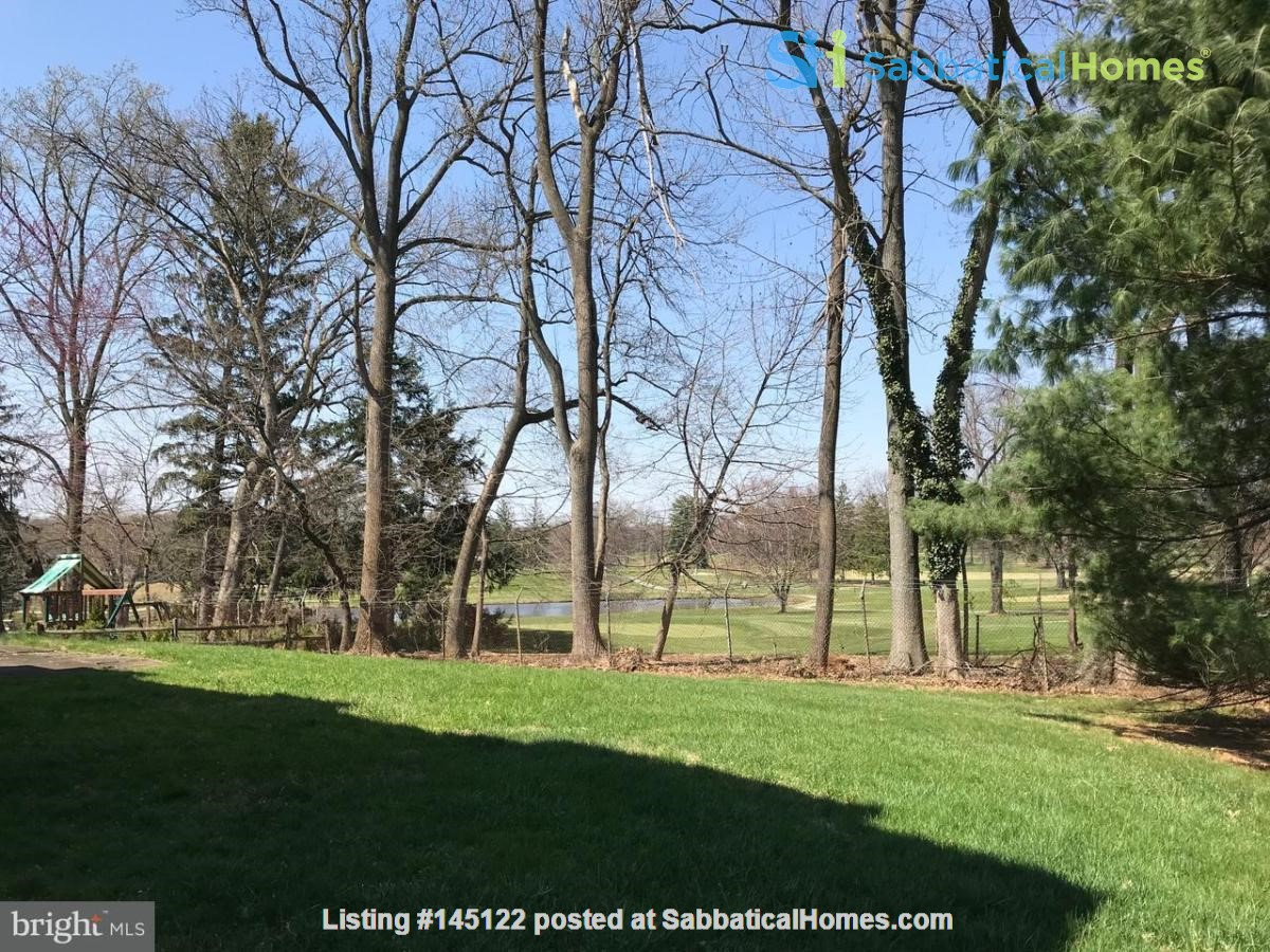Beautiful Home on Golf Course,  Convenient Neighborhood, Rockville, MD Home Rental in Rockville, Maryland, United States 2