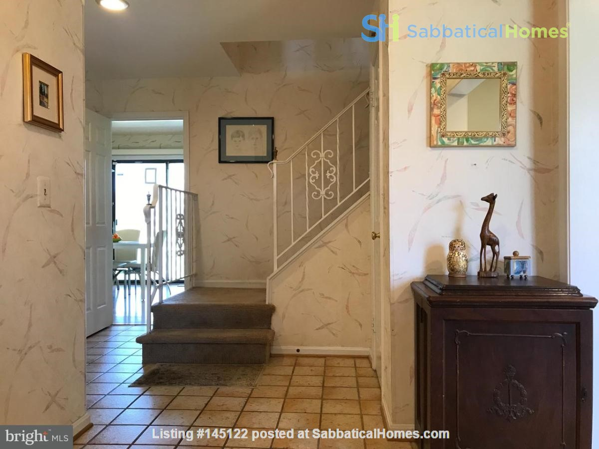 Beautiful Home on Golf Course,  Convenient Neighborhood, Rockville, MD Home Rental in Rockville, Maryland, United States 3