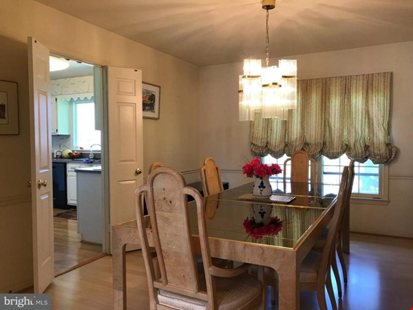 Beautiful Home on Golf Course,  Convenient Neighborhood, Rockville, MD Home Rental in Rockville 7 - thumbnail