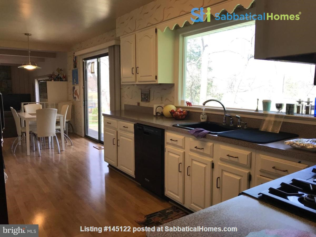 Beautiful Home on Golf Course,  Convenient Neighborhood, Rockville, MD Home Rental in Rockville, Maryland, United States 5