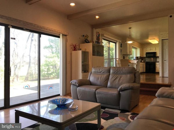 Beautiful Home on Golf Course,  Convenient Neighborhood, Rockville, MD Home Rental in Rockville 4 - thumbnail