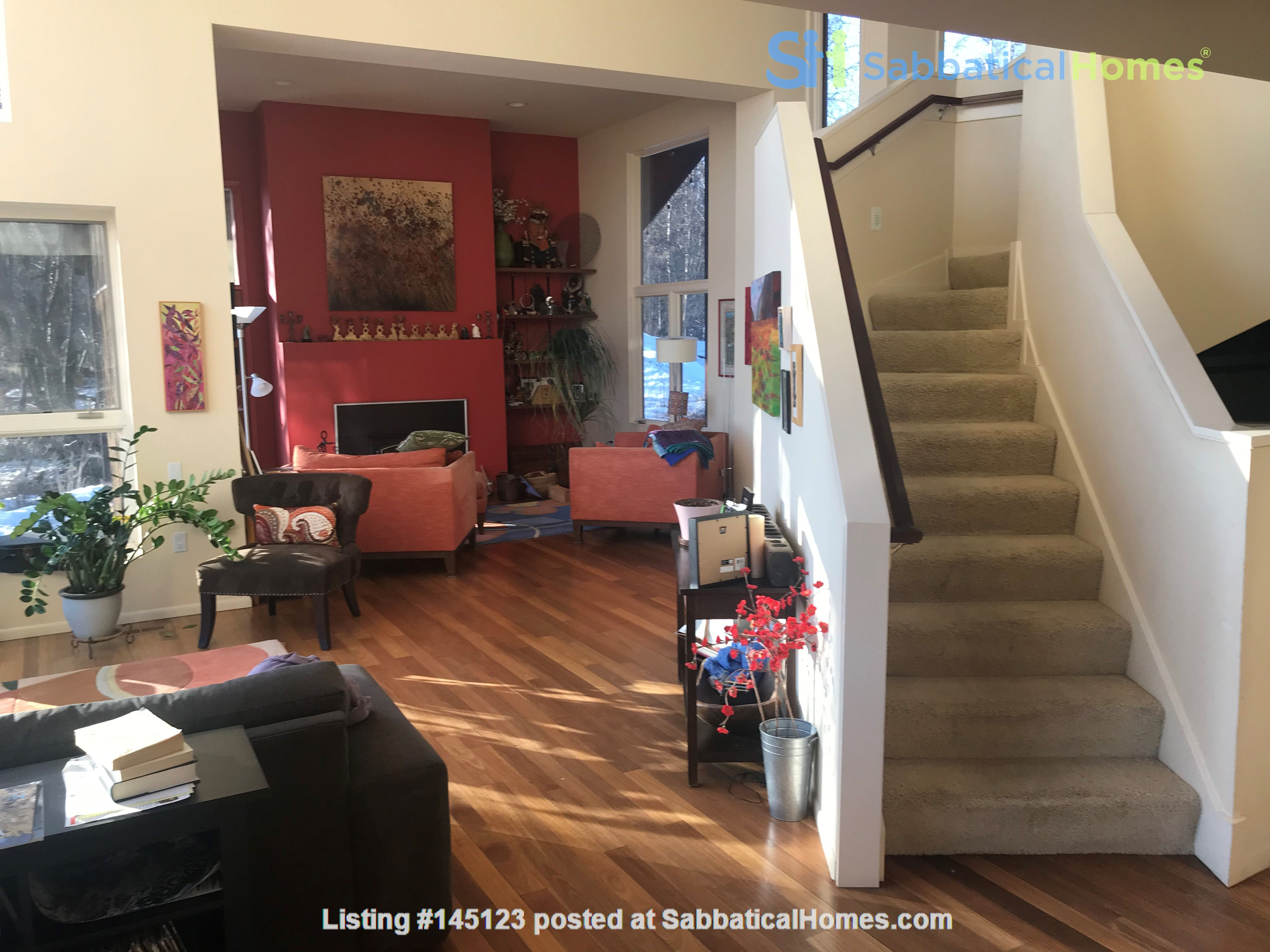 Beautiful single family home in wooded area next to downtown Anchorage Home Rental in Anchorage, Alaska, United States 2