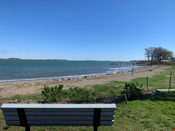 4 Bedroom by the Beach Home Rental in Quincy 0 - thumbnail