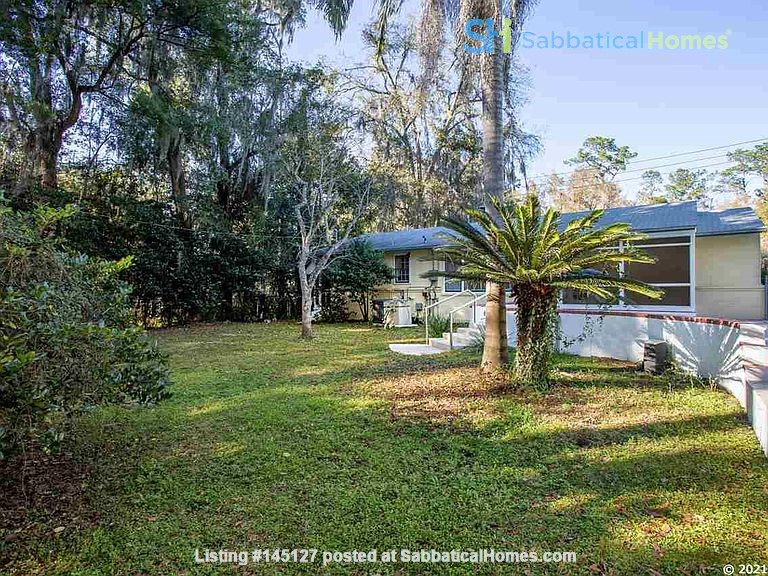 House with Pool. Walking Distance to UF and Hogtown Nature Reserve. Home Rental in Gainesville, Florida, United States 6