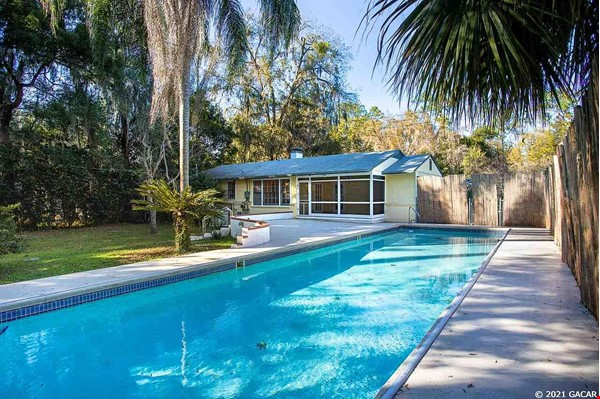 House with Pool. Walking Distance to UF and Hogtown Nature Reserve. Home Rental in Gainesville 1 - thumbnail