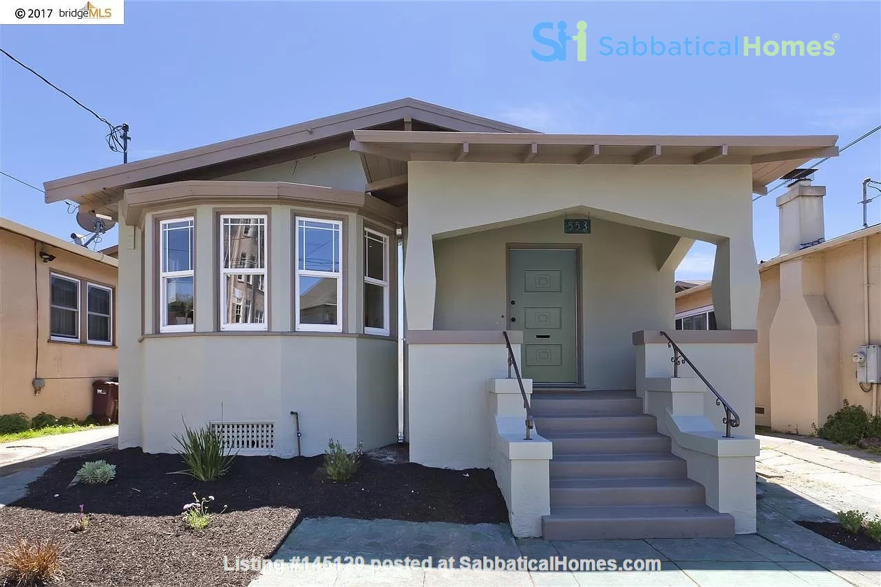 Beautiful House, Convenient Location in East Bay Home Rental in Oakland, California, United States 0