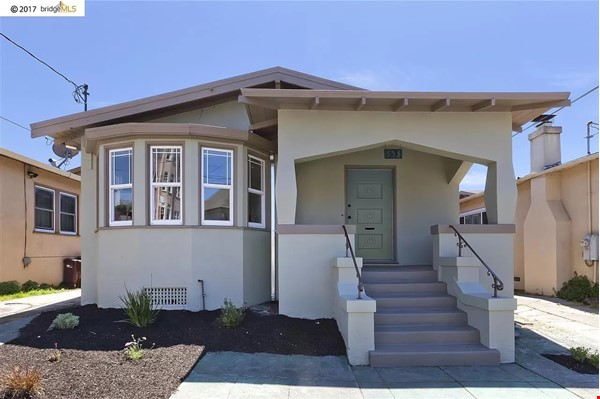 Beautiful House, Convenient Location in East Bay Home Rental in Oakland 0 - thumbnail