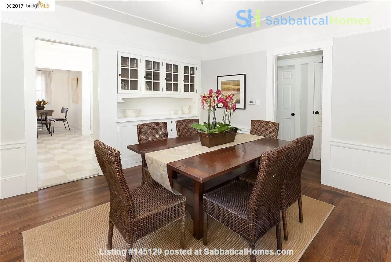 Beautiful House, Convenient Location in East Bay Home Rental in Oakland, California, United States 1