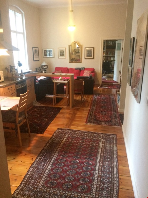Old West Berlin Charm with Modern Touch: 3-room apartment close to Ku'Damm Home Rental in Berlin 1 - thumbnail