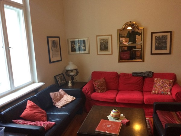 Old West Berlin Charm with Modern Touch: 3-room apartment close to Ku'Damm Home Rental in Berlin 4 - thumbnail