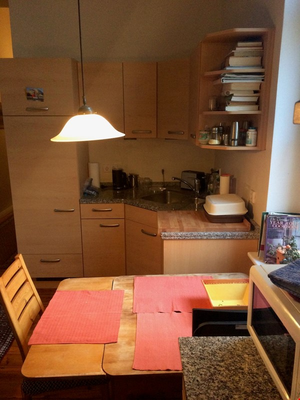 Old West Berlin Charm with Modern Touch: 3-room apartment close to Ku'Damm Home Rental in Berlin 3 - thumbnail