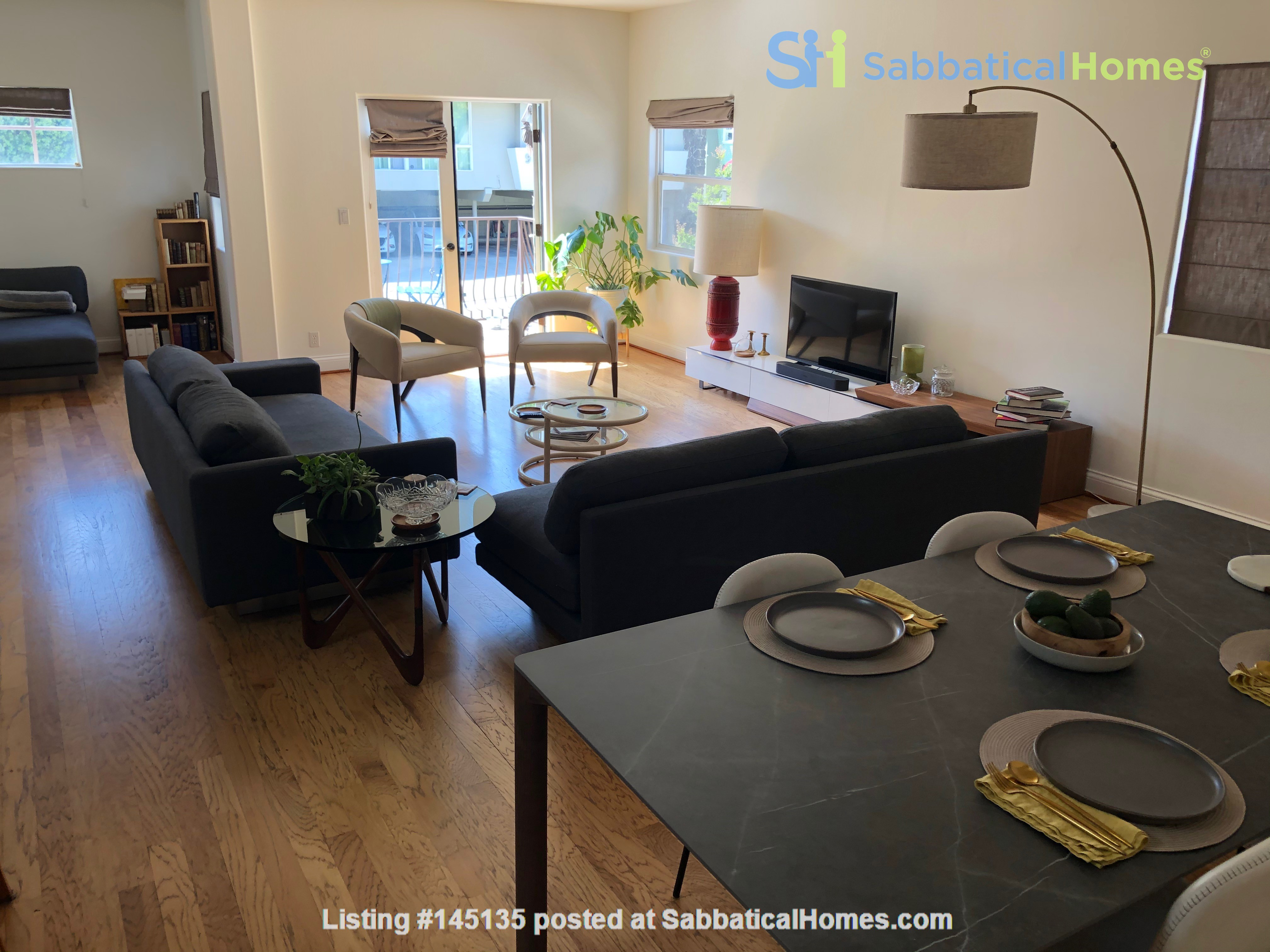 Large, luminous West Hollywood retreat Home Rental in West Hollywood, California, United States 4
