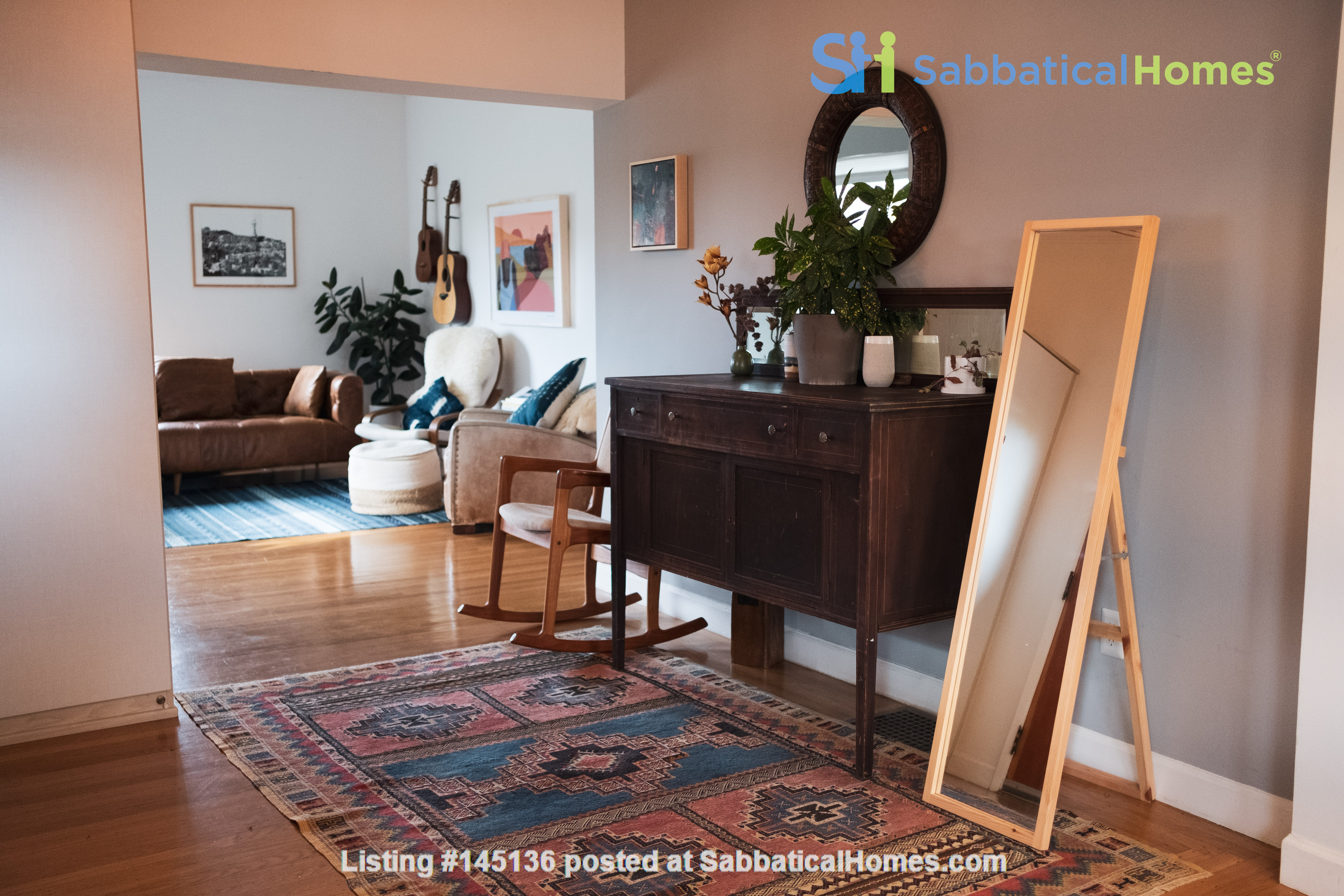 Beautiful three-bedroom home in convenient and cool No Oakland/So Berkeley Home Rental in Oakland, California, United States 1