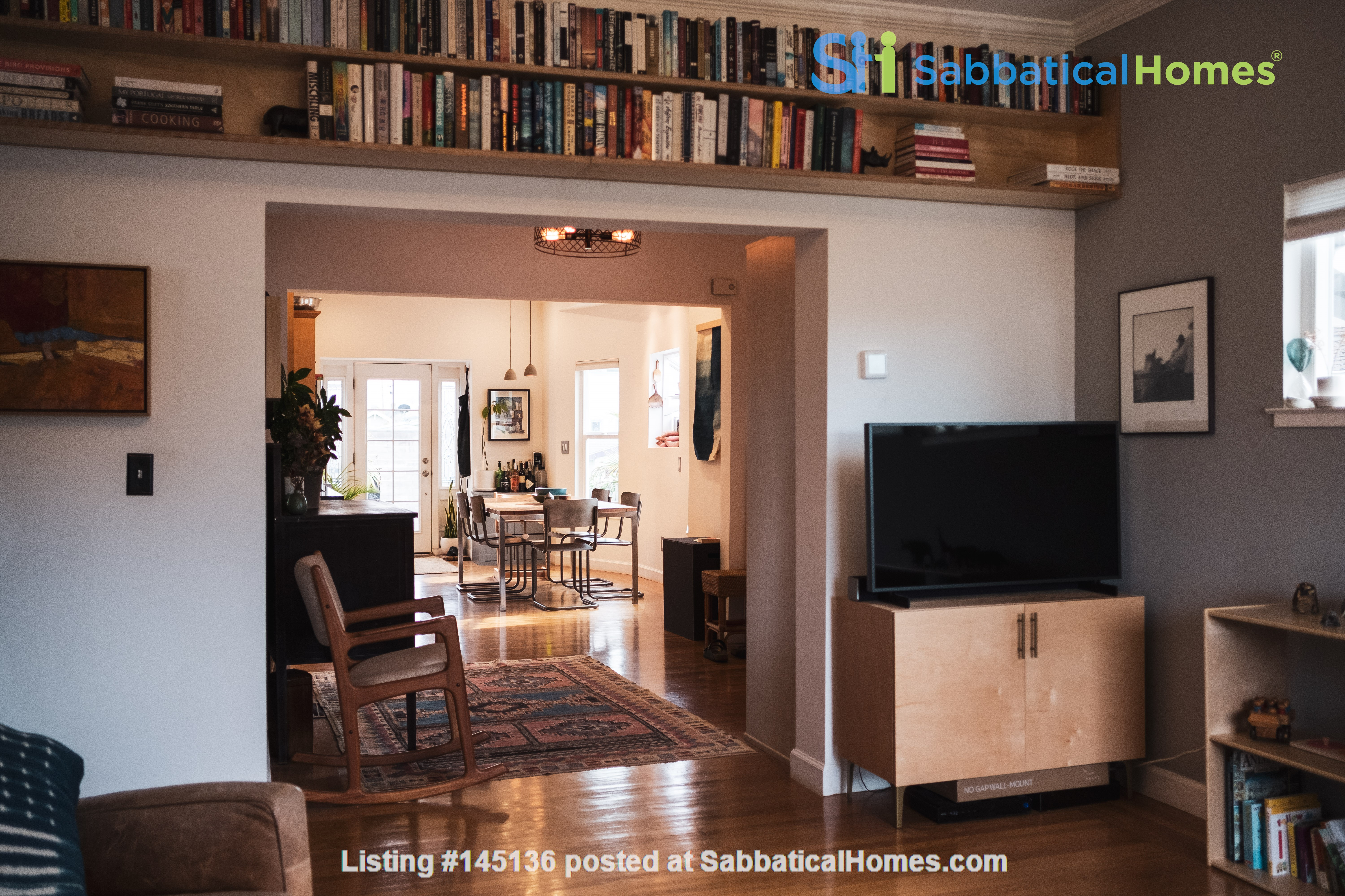 Beautiful three-bedroom home in convenient and cool No Oakland/So Berkeley Home Rental in Oakland, California, United States 3