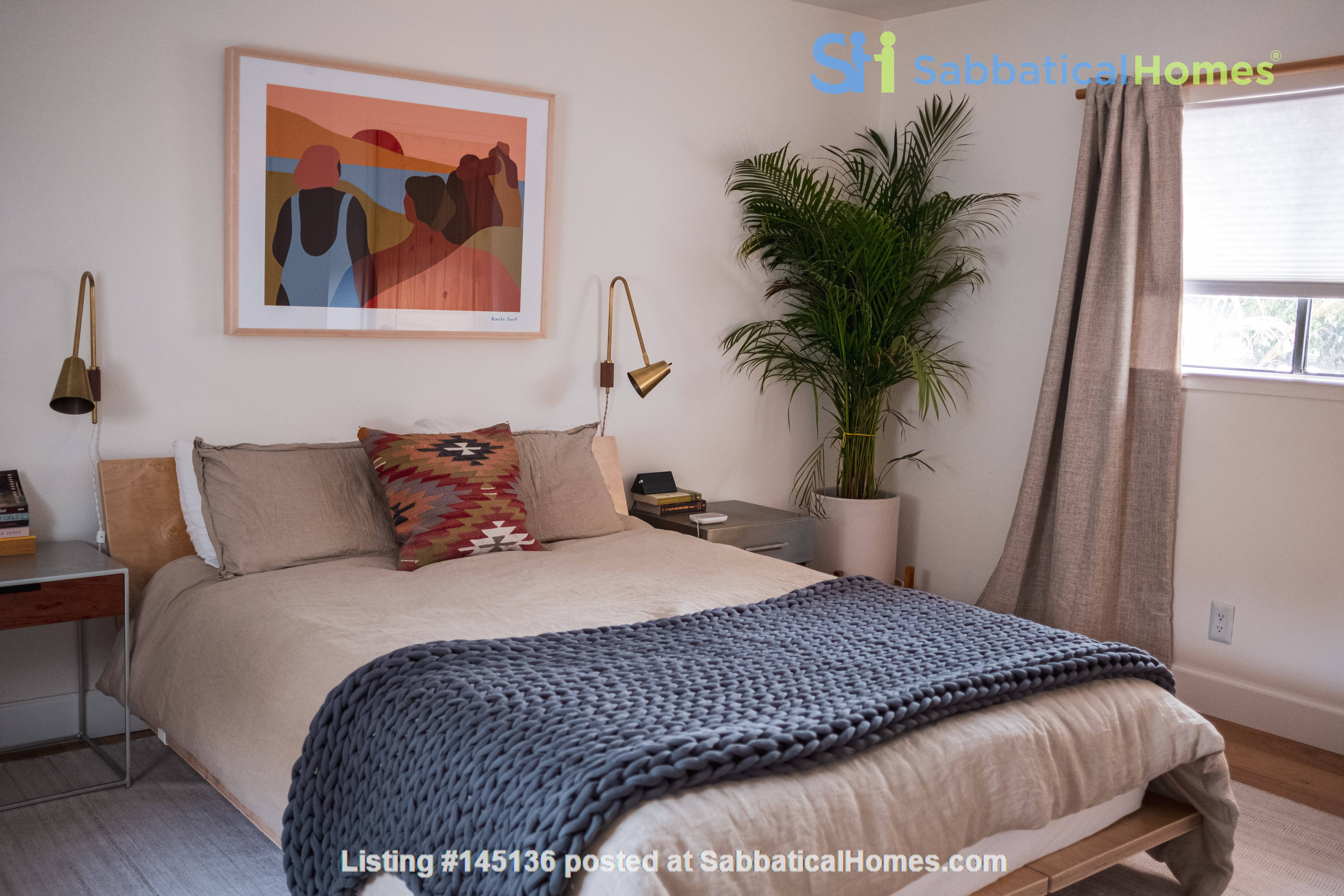 Beautiful three-bedroom home in convenient and cool No Oakland/So Berkeley Home Rental in Oakland, California, United States 6
