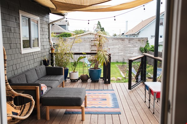 Beautiful three-bedroom home in convenient and cool No Oakland/So Berkeley Home Rental in Oakland 7 - thumbnail