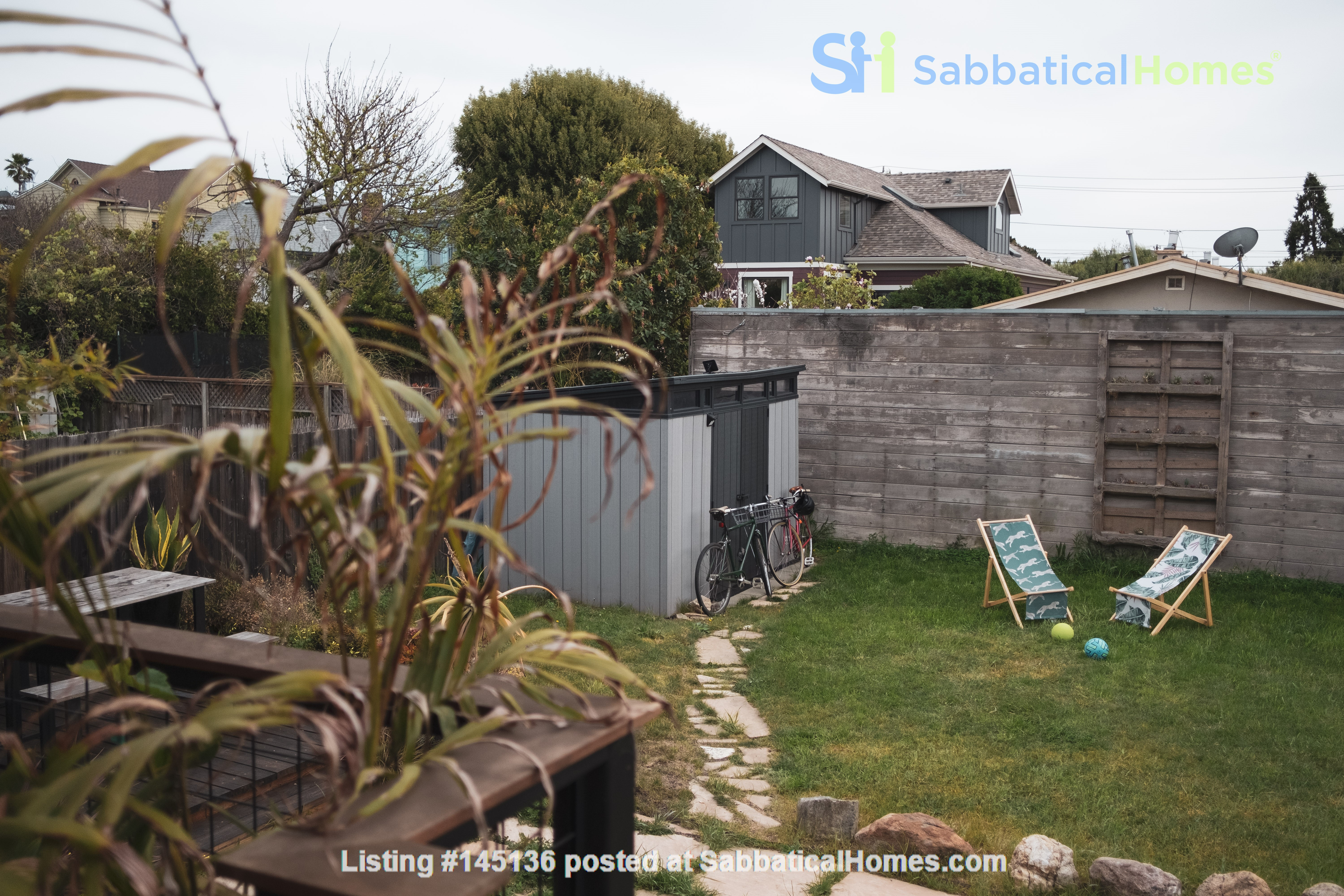 Beautiful three-bedroom home in convenient and cool No Oakland/So Berkeley Home Rental in Oakland, California, United States 8