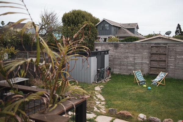 Beautiful three-bedroom home in convenient and cool No Oakland/So Berkeley Home Rental in Oakland 8 - thumbnail