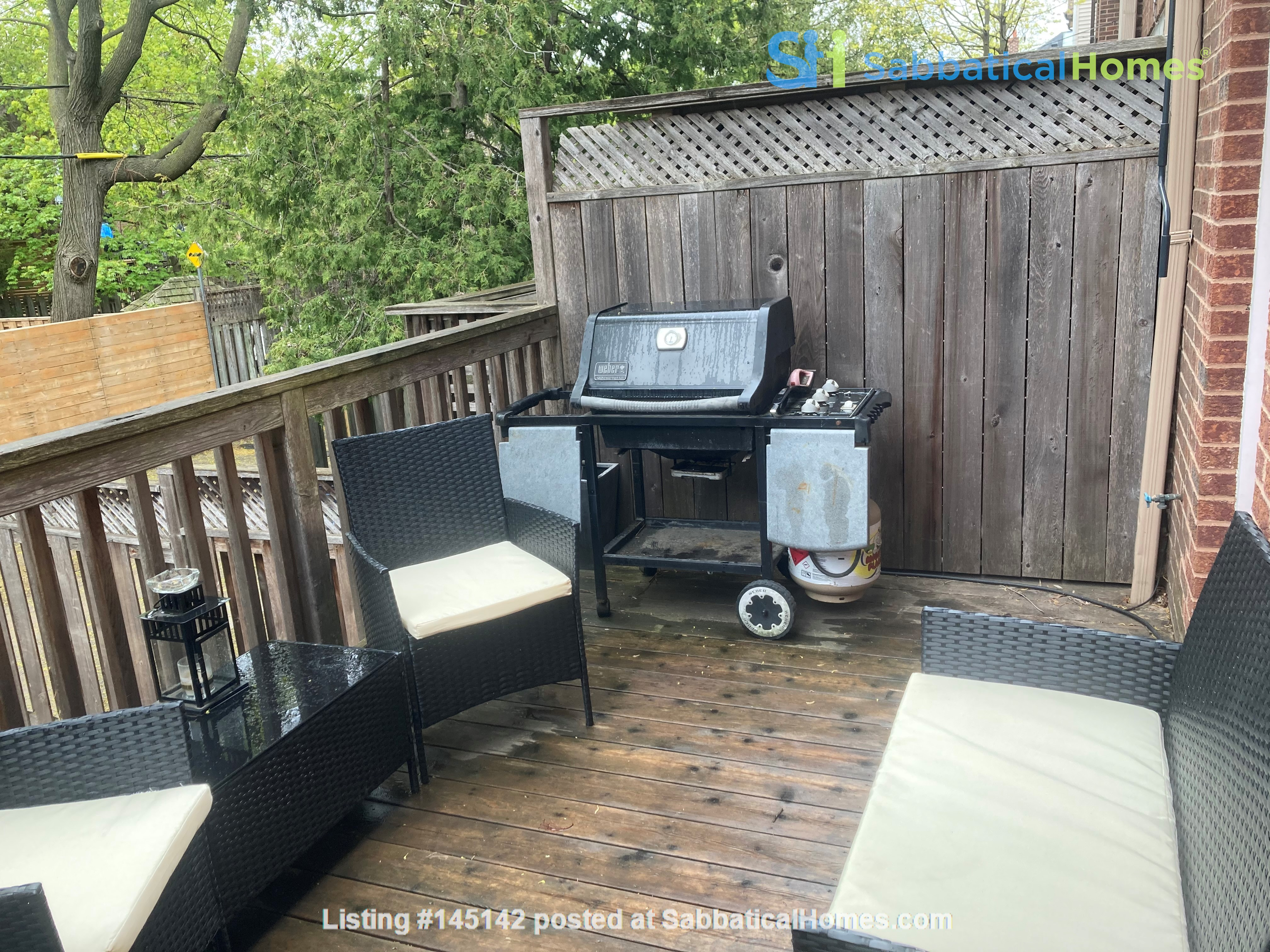 Family friendly townhome with parking in central Toronto Home Rental in Toronto, Ontario, Canada 5