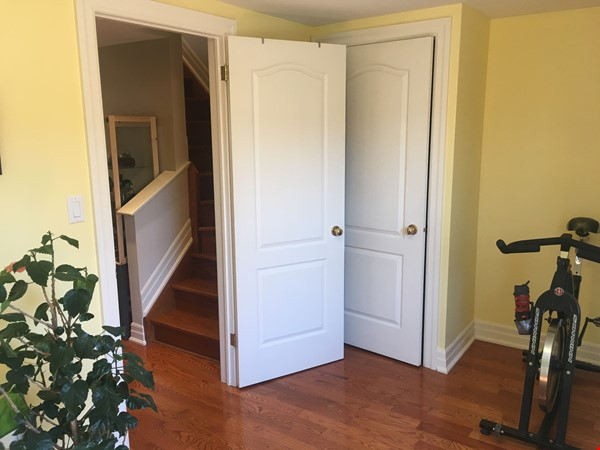 Family friendly townhome with parking in central Toronto Home Rental in Toronto 9 - thumbnail
