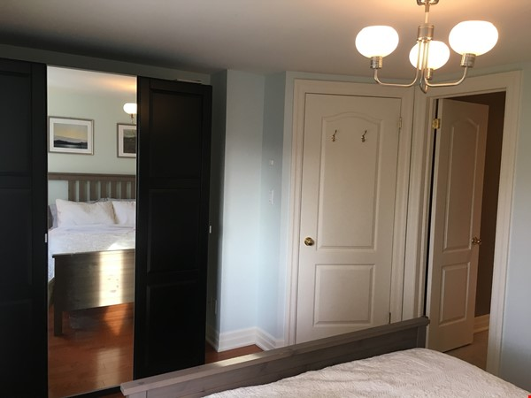 Family friendly townhome with parking in central Toronto Home Rental in Toronto 8 - thumbnail