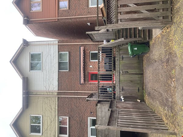 Family friendly townhome with parking in central Toronto Home Rental in Toronto 3 - thumbnail