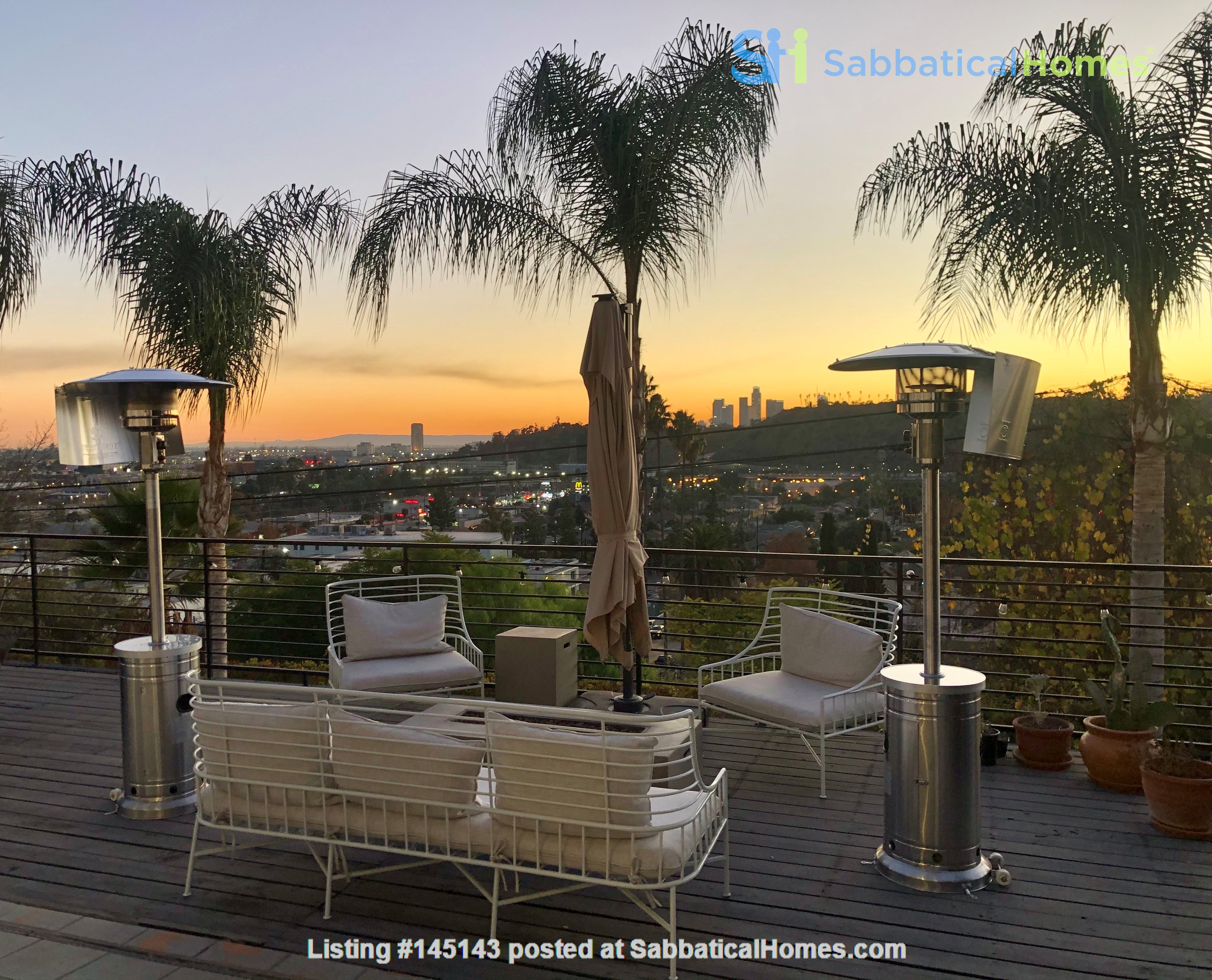 NEW Studio with Stunning L.A. Views! Home Rental in Los Angeles, California, United States 2