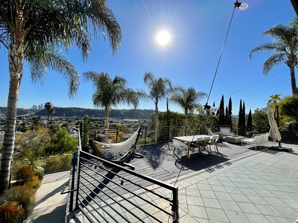 NEW Studio with Stunning L.A. Views! Home Rental in Los Angeles 8 - thumbnail