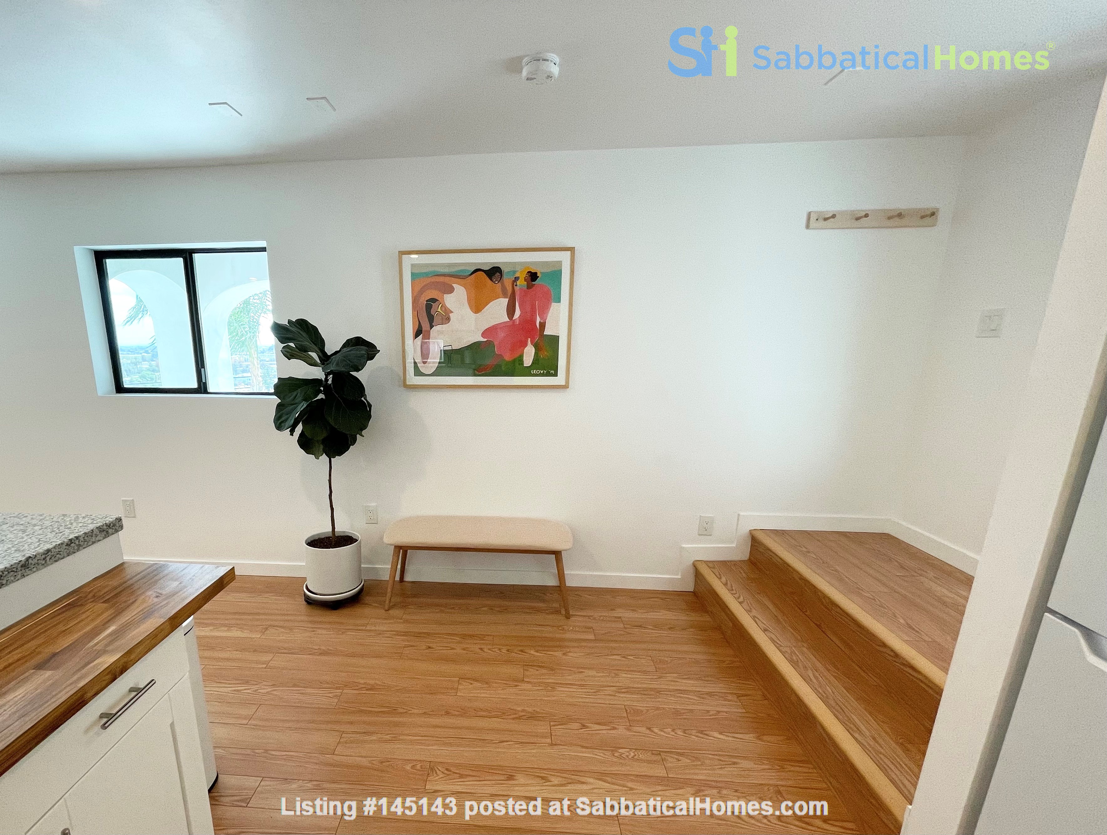 NEW Studio with Stunning L.A. Views! Home Rental in Los Angeles, California, United States 6