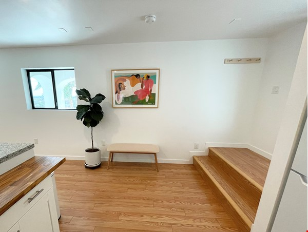 NEW Studio with Stunning L.A. Views! Home Rental in Los Angeles 6 - thumbnail