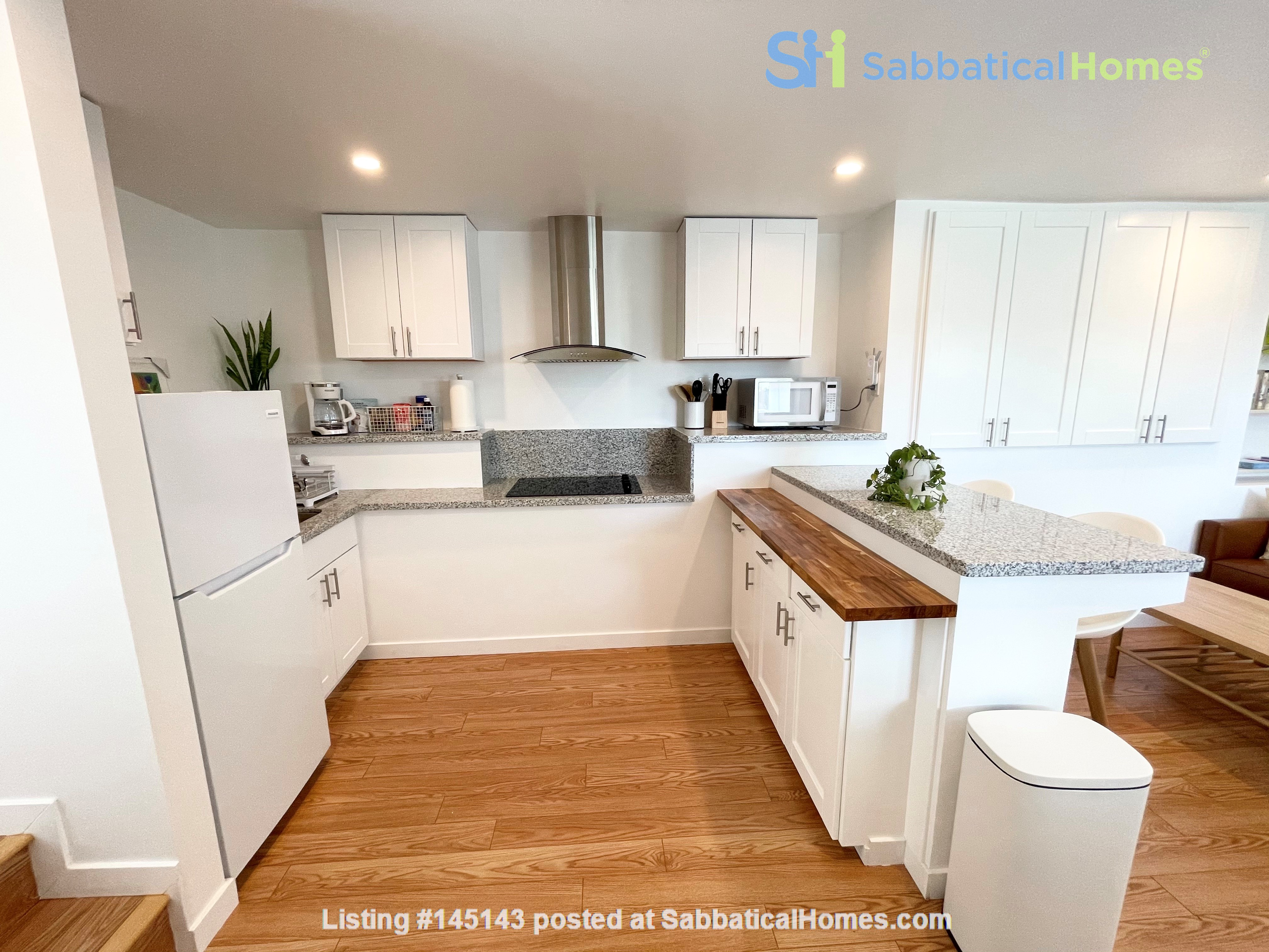 NEW Studio with Stunning L.A. Views! Home Rental in Los Angeles, California, United States 4