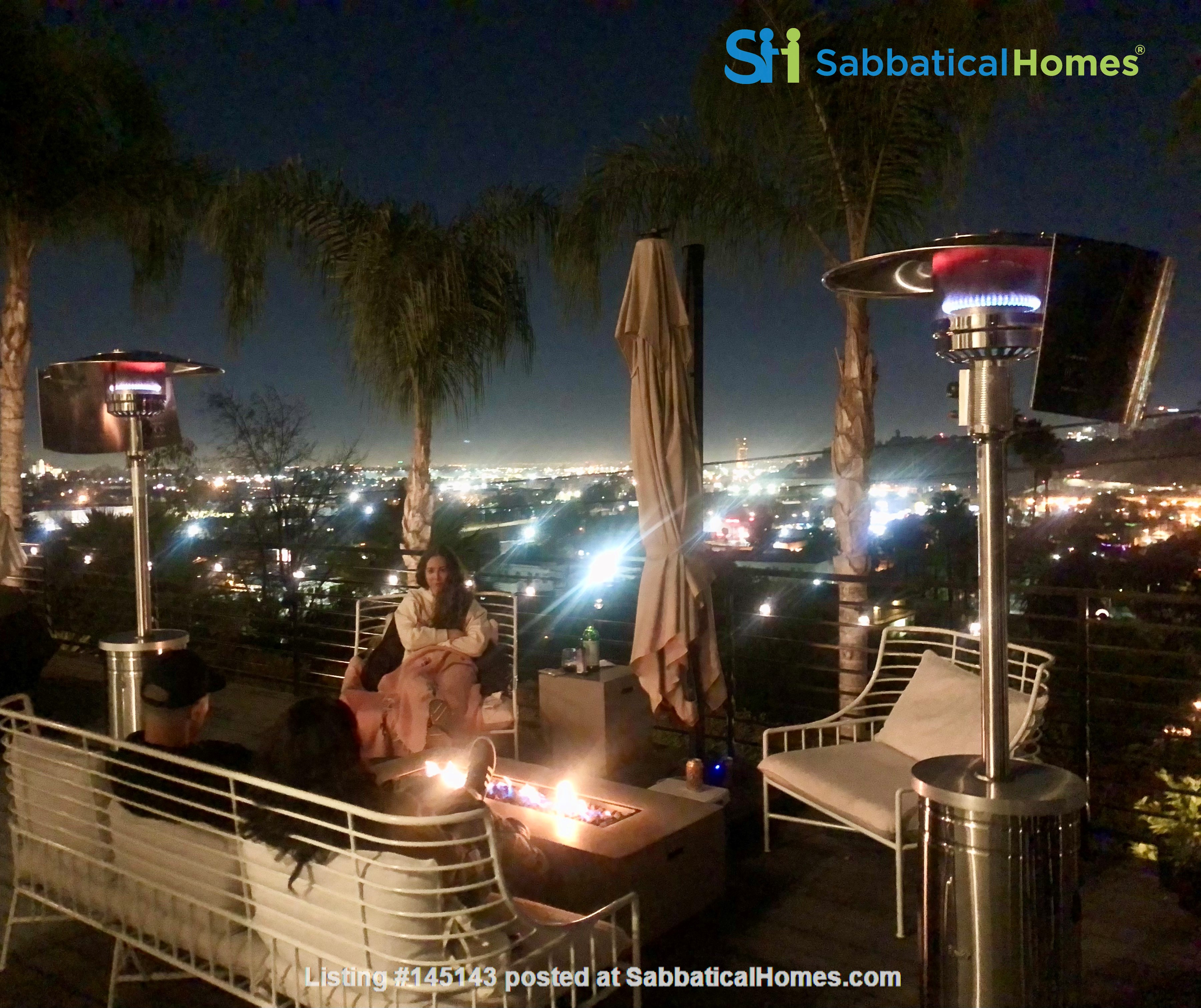 NEW Studio with Stunning L.A. Views! Home Rental in Los Angeles, California, United States 9