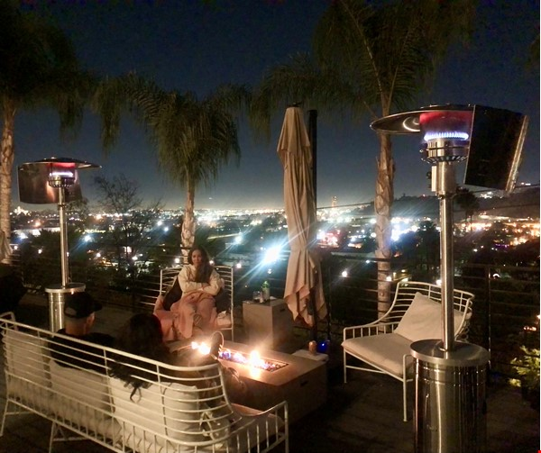 NEW Studio with Stunning L.A. Views! Home Rental in Los Angeles 9 - thumbnail