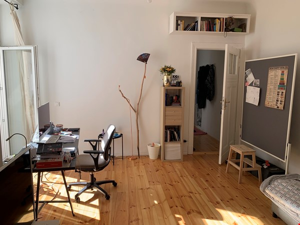 perfect apt for a work from home arrangement or an artist studio Home Rental in Berlin 0 - thumbnail