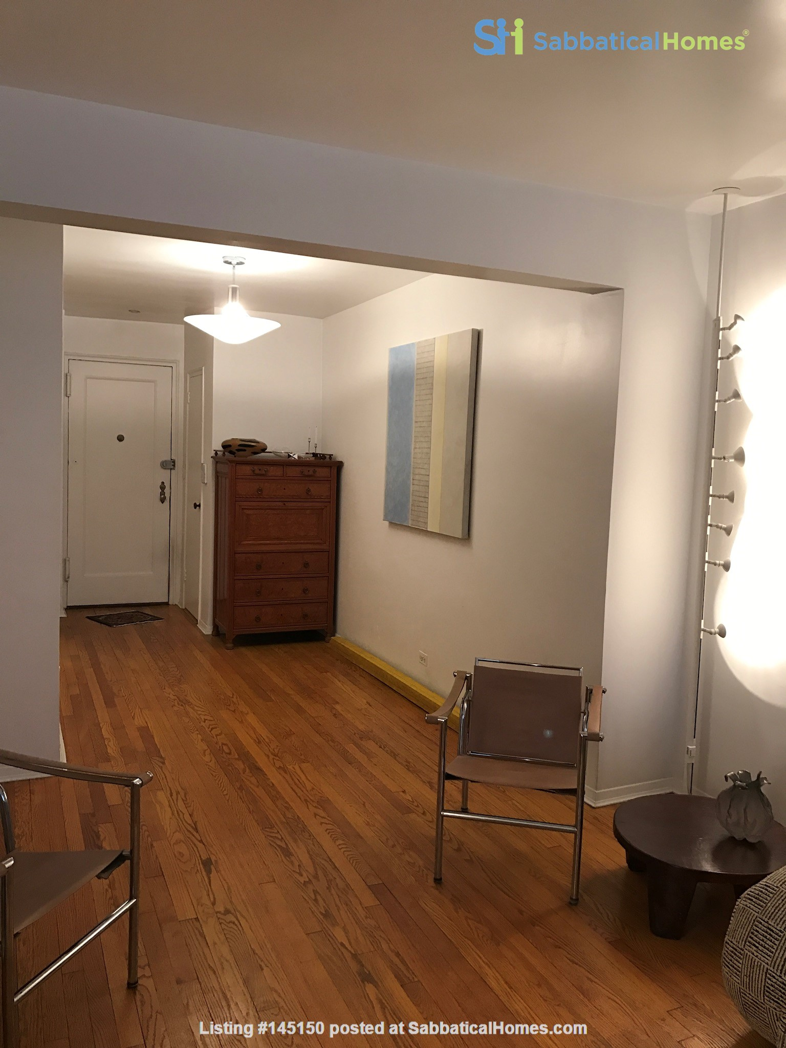 Steps from Central Park, place full of art and sun. Home Rental in New York, New York, United States 2