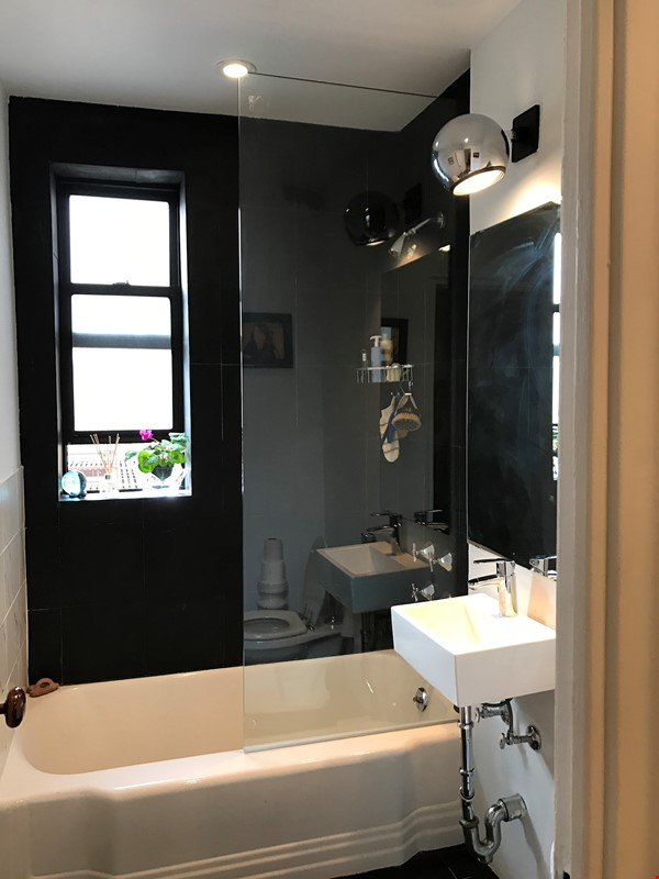 Steps from Central Park, place full of art and sun. Home Rental in New York 1 - thumbnail