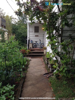 Cozy family home in supremely walkable/bikeable neighborhood near UW. Home Rental in Seattle, Washington, United States 0
