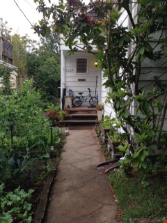 Cozy family home in supremely walkable/bikeable neighborhood near UW. Home Rental in Seattle 0 - thumbnail